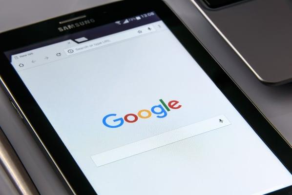 black-samsung-tablet-display-google-browser-on-screen-218717-2